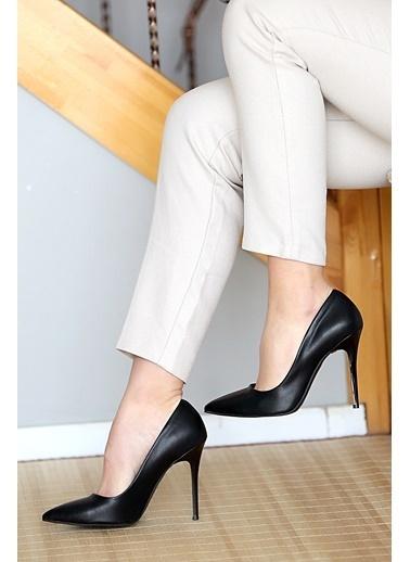 Pembe Potin A1770-17 Kadın Klasik Topuk Ayakkabı A1770-17 Siyah